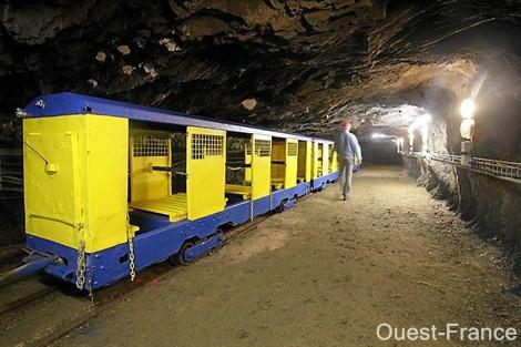 Mine Bleue Noyant-la-Gravoyère visite guidée des mines funiculaire